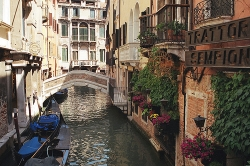 Viagens a Veneza e Milão em leilão