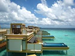 Maldivas inaugura o 1º hotel marítimo do mundo