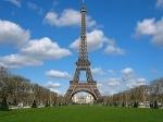 Lua de mel iluminada em Paris